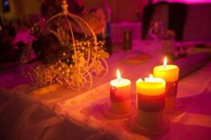 Anniversary Date Ideas - Candlelight dinner under the open sky